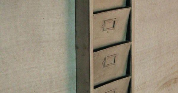 porte revues industriel m tal argent meuble industriel pinterest industriel papier et. Black Bedroom Furniture Sets. Home Design Ideas