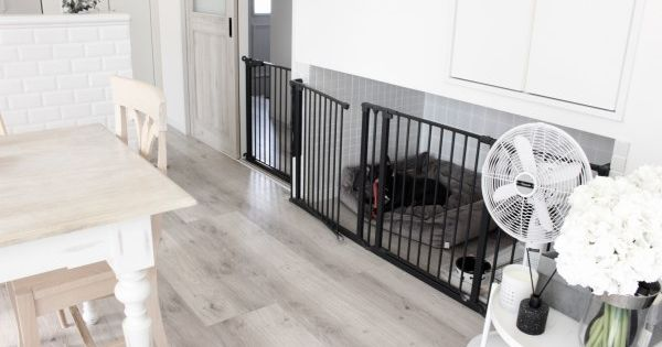 犬部屋をリビング間取りに作って正解 おしゃれにdiyと追加した柵 後悔しないおしゃれな一戸建てを建てるためのブログ 犬の部屋 リビング 間取り リビング ペットスペース