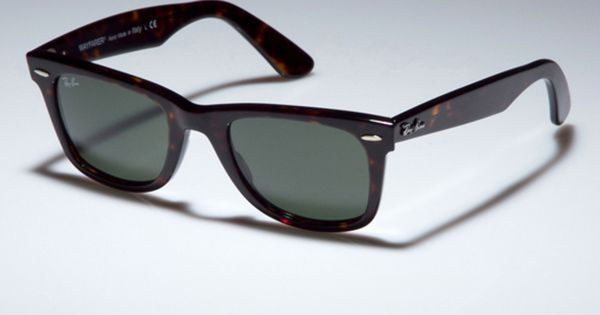 Ray Ban Medium Original Wayfarer In Tortoiseshell. Old school style.