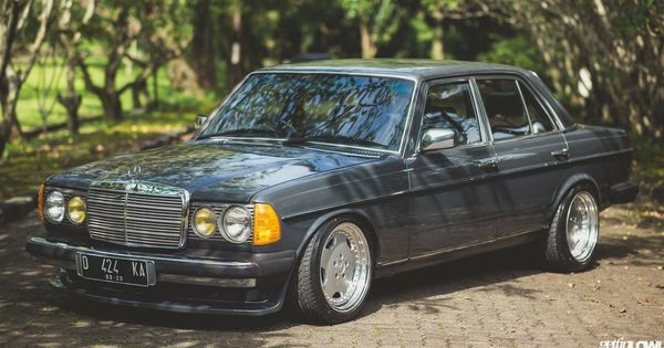 Pin By Slava On Mercedes Benz Mercedes Benz Cars Classic Mercedes Mercedes Benz