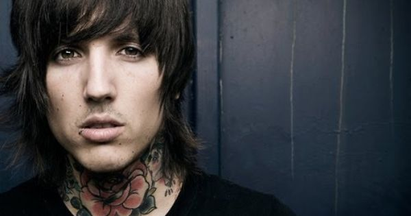 Pin By Debbie Neal On Noteworthy People Oli Sykes Bring Me The Horizon Oliver Sykes