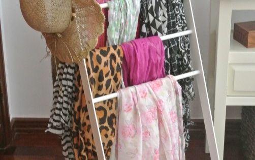 ranger ses charpes et foulards maison am nagements organisation pinterest foulards. Black Bedroom Furniture Sets. Home Design Ideas