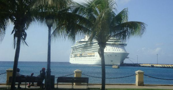 caribbean cruise aboard the royal caribean serenade of the