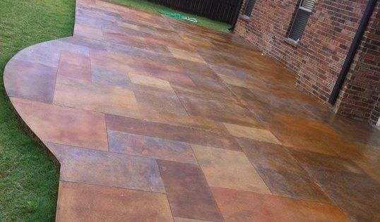 Stained Concrete Patio made to look like slate. Wow. If I ever