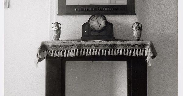 Interieur woning schoorsteenmantel met loper pendule en spiegel 1940s interior inspiration - Spiegel orangerie ...