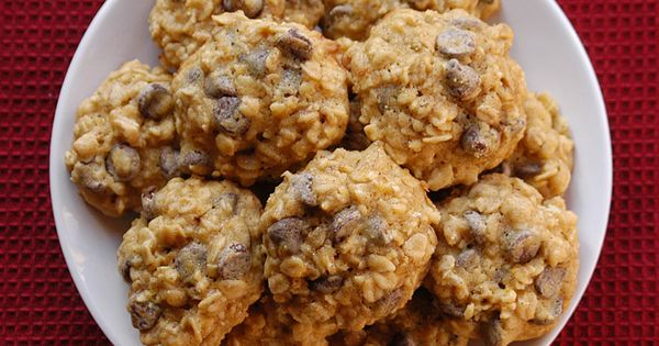 oatmeal, Oatmeal chocolate chip cookies and Oatmeal chocolate chips ...
