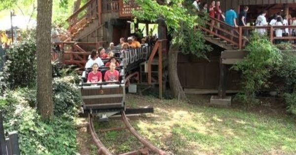 Pin By Cindy Baldiviez On Childhood Memories Six Flags Over Texas Six Flags Theme Parks Rides