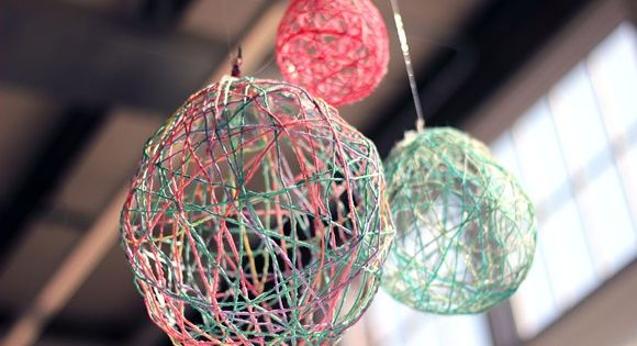 decorating with oversized balloons | Home Décor DIY – DIY Yarn Lanterns