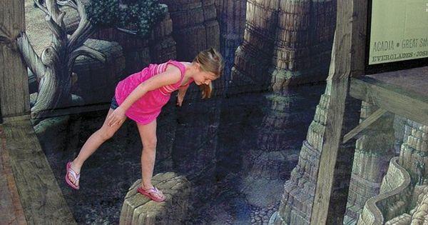 #StreetArt Don't look down! Grand Canyon 3D Street Art