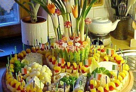 fingerfood vegetarisch gro e k seplatte f r die n chste sommerparty f rs buffet pinterest. Black Bedroom Furniture Sets. Home Design Ideas