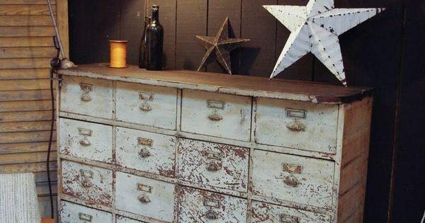 brocante d co vintage industrielle brocante campagne ancien meuble d 39 atelier tiroirs d but. Black Bedroom Furniture Sets. Home Design Ideas