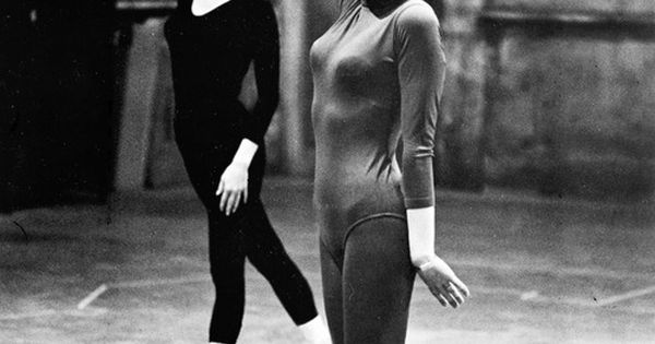 Julie Andrews and Mary Tyler Moore rehearsing dance routine for Thoroughly Modern