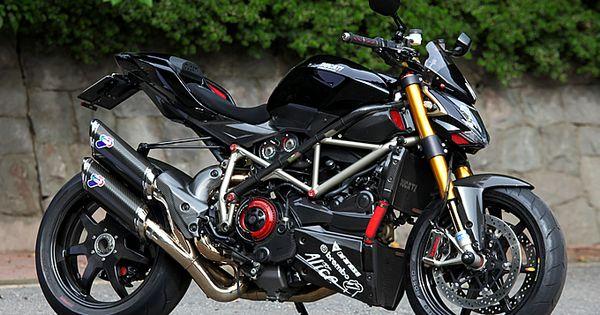Custom Ducati Nerima Streetfighter S