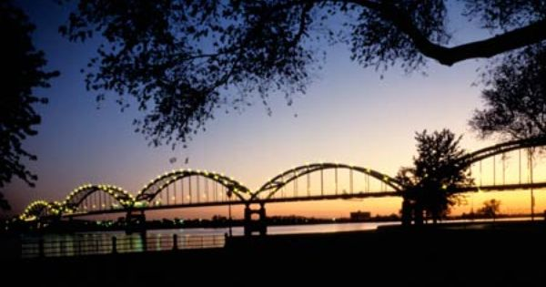 Born And Raised In Moline Illinois Cool Places To Visit Quad Cities Cross Country Trip