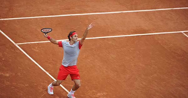 Roger Federer Serves 9 Aces In His Second Round Match Against Diego Sebastian Schwartzman French Open 2014 Roland Garros Roger Federer Tennis Equipment