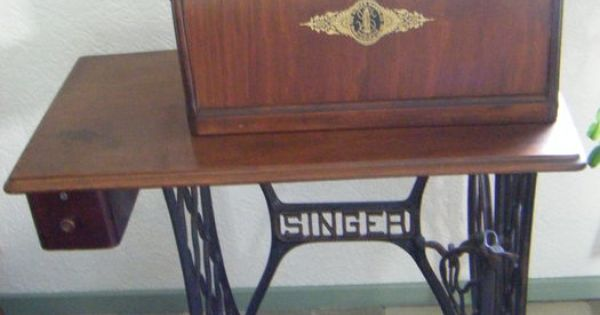 Online veilinghuis catawiki prachtige zeer decoratieve singer trap naaimachine op originele - Redo houten trap ...