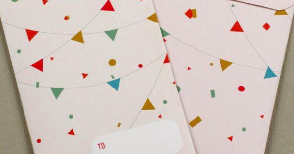 Free Printable Gift Card holder from lovevsdesign.com
