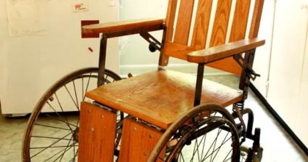 Sc 10 1930s Wheelchair Idea 1 Props