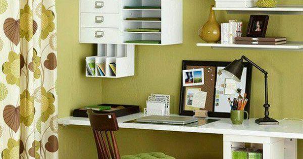 Oficina en casa con aire de los 70s oficina en casa for Decoracion de oficinas creativas