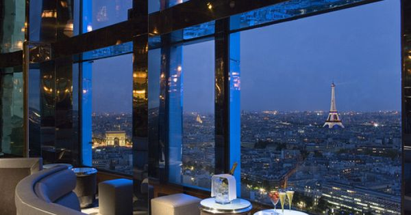 Bar Panoramique With Mesmerizing Eiffel Tower And Arc De Triomphe