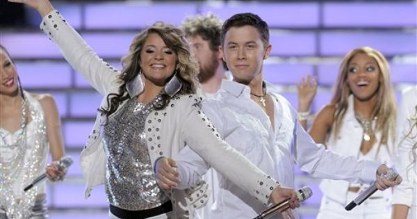 Lauren Alaina And Scotty Mccreery Perform In The American Idol Group Act To Start The Show May 2011 Lauren Alaina American Idol Scotty Mccreery