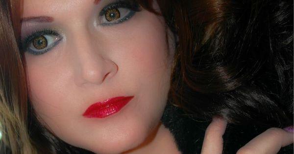 Twilight Bella Contact Lenses want them soo bad ...