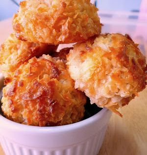 Try Easy Peasy Coconut Macaroons You Ll Just Need 5 1 4 Cups Coconut Flakes 1 14 Ounce Swe Coconut Macaroons Easy Coconut Macaroons Recipe Macaroon Recipes