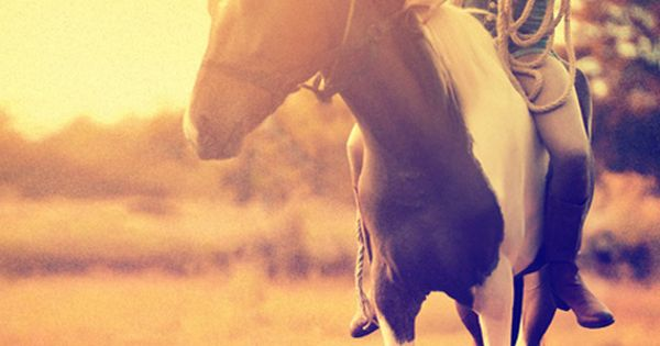 Senior pictures with horses ideas. Horse senior picture ideas for girls. Senior