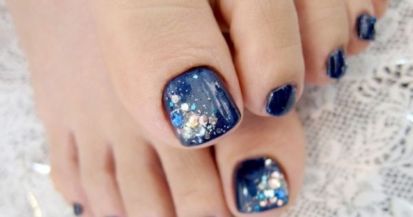 Pedicure Nail Art Designs for Fall - A perfect looking pedicure can