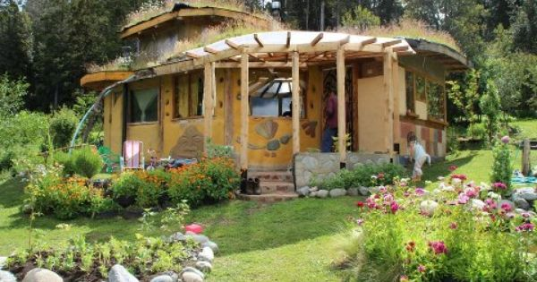 Small Cob House With Less Than 200 Square Feet One Of The Ideas For The Motor Court Without Motors Earthship Home House Painting Cost Cob House