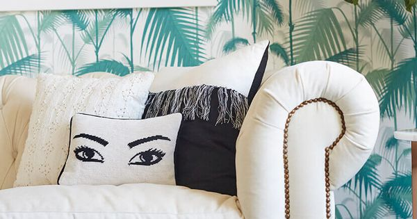 Throw Pillows Eggplant : 18 No Fail Pillow Combos (Emily Henderson) Modern throw pillows, Modern throws and Pillows