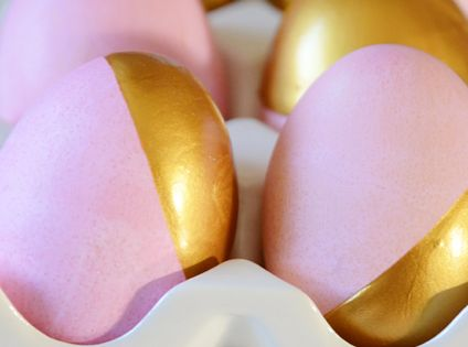 gold and pink dipped easter eggs | via fabulous k