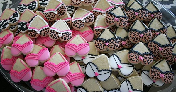Bra Cookies for a Breast Cancer Awareness Event