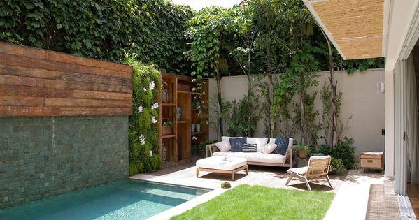 Patio con piscina muebles pinterest piscinas patios - Piscinas alargadas y estrechas ...