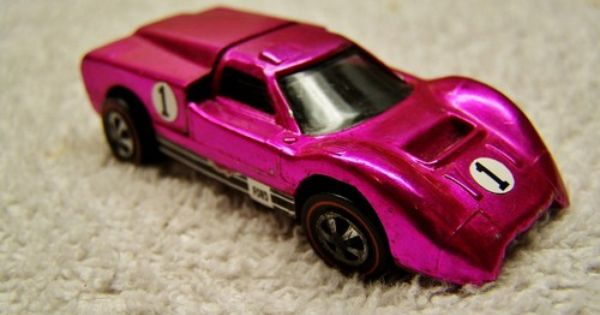 Hot Wheels Redline 1968 Hot Pink Us Ford J Car With Dark Interior