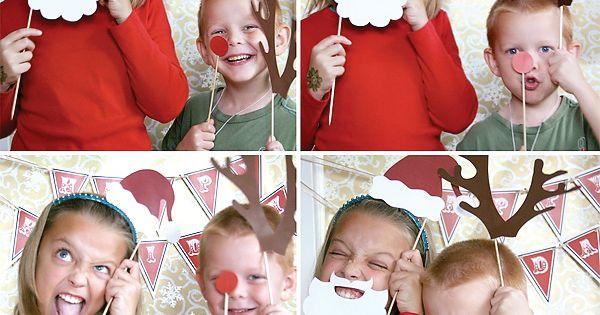 Christmas card idea- Holiday Photo Booth Props @Rachelle Sochaczevski