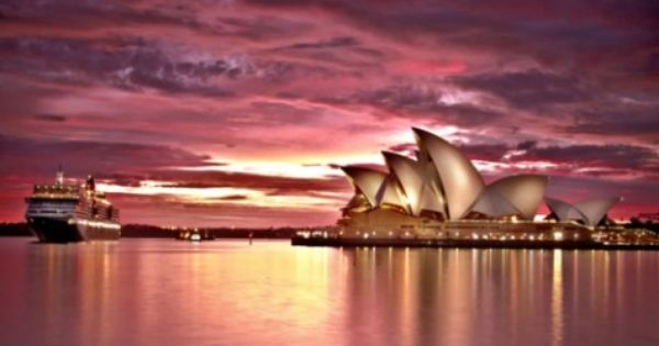 Beautiful Sunset in Sydney, Australia Sydney is one of the most dynamic