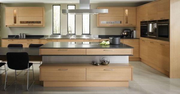 gro e k che mit k cheninsel und essplatz in eichenholz und grau k che pinterest. Black Bedroom Furniture Sets. Home Design Ideas