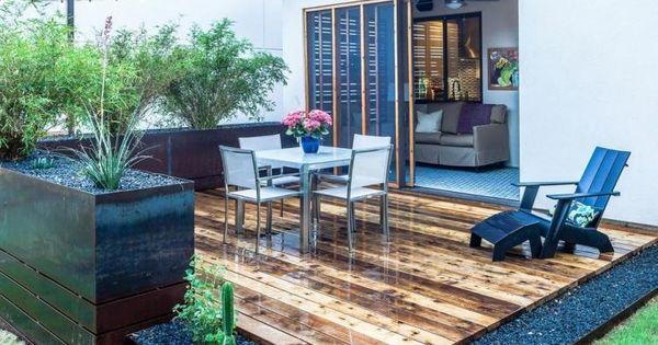 Terrassendielen aus zedernholz ber eine schicht kies for Pisos para terrazas y jardines