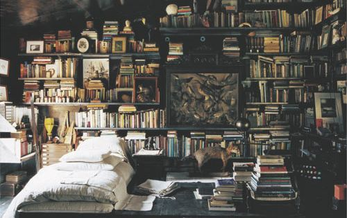 Library bedroom. | If I could make this my room, I totally