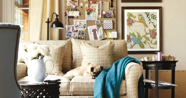 Neutral living room with bright pops of color living for Neutral decor with pops of color