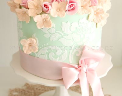 Beautiful Mint Wedding Cake - see more gorgeous Mint wedding inspiration at
