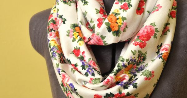 DIY: circle scarf! A girl can never have too many scarves!