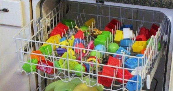 l 39 astuce pour laver et d sinfecter facilement les jouets de vos enfants lave vaisselle les. Black Bedroom Furniture Sets. Home Design Ideas