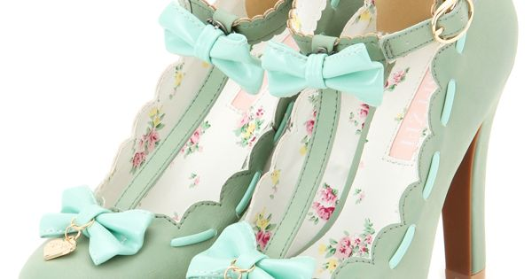 lolita shoes- not particularly my style; but very cute, and I love