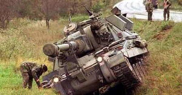 Ffdb6486 Jpg 400 300ピクセル 戦車 交通事故 コンテッサ