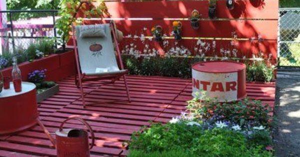Wooden Pallet deck and garden