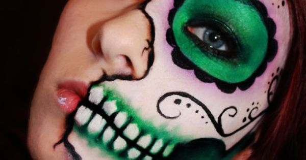Sugar Skull makeup - Dia de Los muertos - Halloween makeup idea