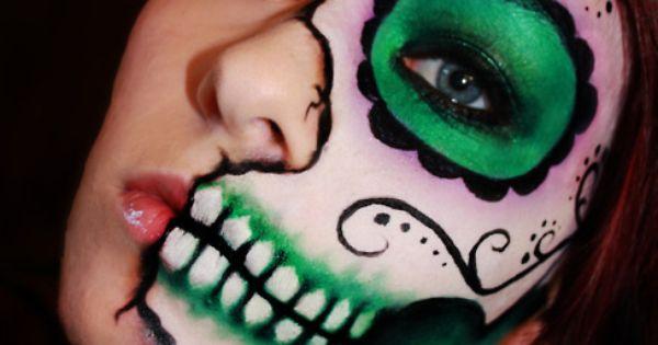 Sugar Skull makeup - Dia de Los muertos - Halloween makeup idea