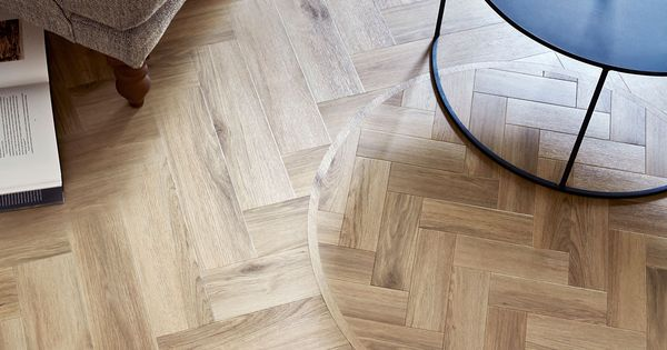 Amtico Signature Lvt In Cornish Oak Ar0w8150 In